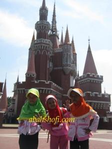 Istana Boneka Taman Mini